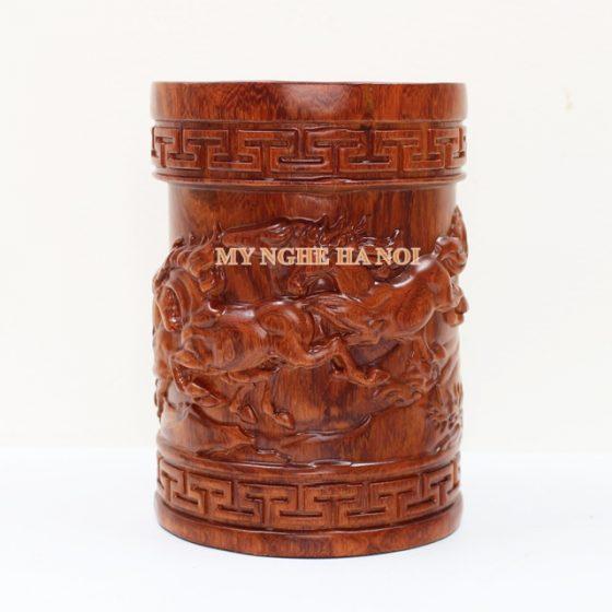 ong-cam-but-duc-ma-dao-thanh-cong001-MNHN